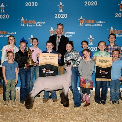 Rodeo Hosts Online Auctions to Support Junior Exhibitors